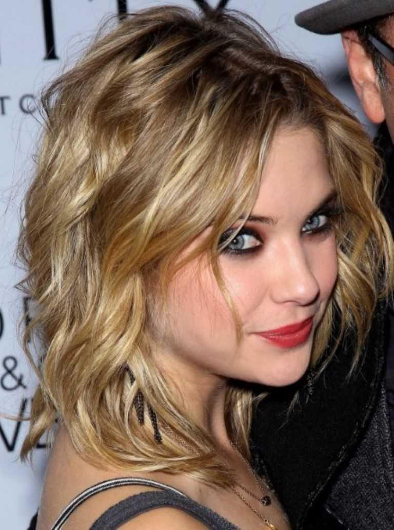 20 Beliebteste Medium Lockiges Welliges Haar-Stile für Frauen-11
