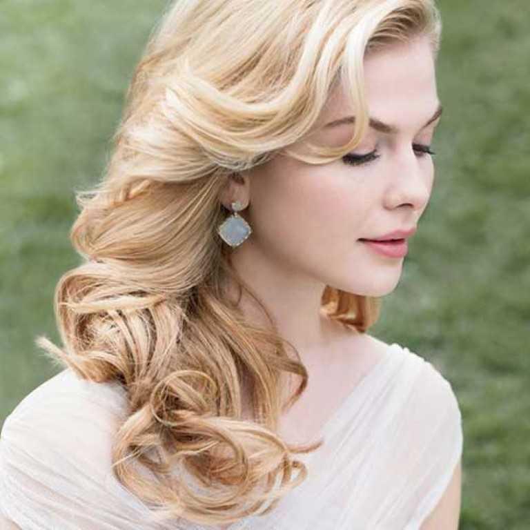 17. Lockere Hochzeit Blonde Frisur