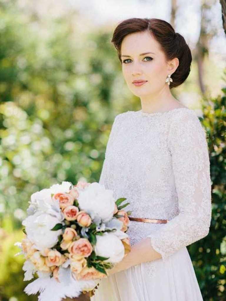 6. Lange Hochsteckfrisur für Hochzeiten