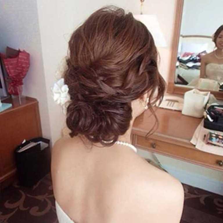 7. Geflochtene Lange Frisur für Hochzeit
