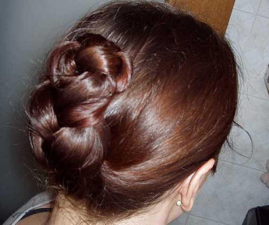14. Gefaltet, Geflochten Haar-Hochsteckfrisur für Mittel Haare