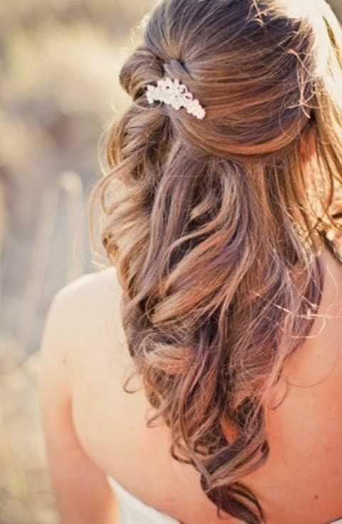 Hälfte bis halb nach unten Frisur für lange Haare