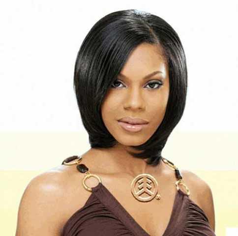 Kurze Frisuren für Schwarze Frauen mit Runden Gesichtern-12