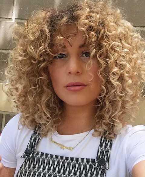 Sehr Beliebte Kurze Frisuren für Frauen mit Rundem Gesicht-7
