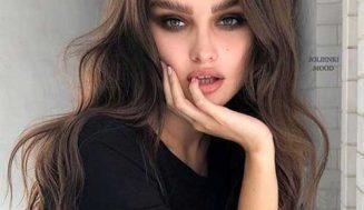 Die Letzte Lange Wellige Frisuren für Frauen