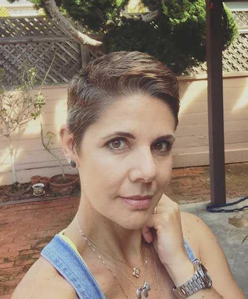 Kurzen Haarschnitt für Ältere Frauen-12