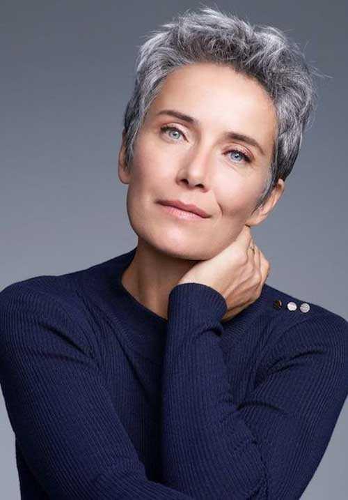 Kurzen Haarschnitt für Ältere Frauen-6