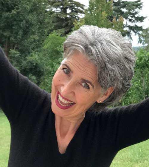 Kurzen Haarschnitt für Ältere Frauen-7