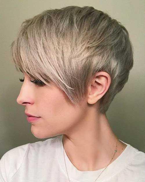Ash Blonde Haarfarbe für Kurze Haare