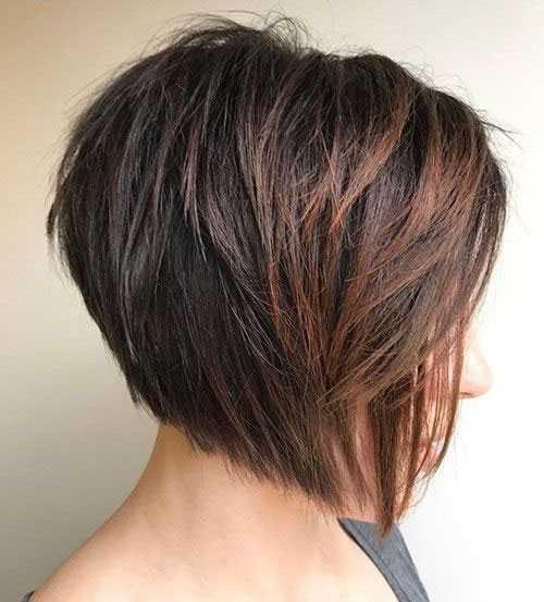 Kurze Invertierte Gestapelt Bob Haarschnitte für Frauen mit Dicken Haaren-13
