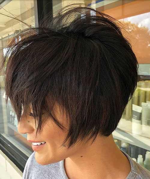 Kurz Chaotisch Frisuren für Frauen mit Dicken Haaren-14