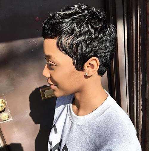 Pixie Haarschnitte für Schwarze Frauen-24