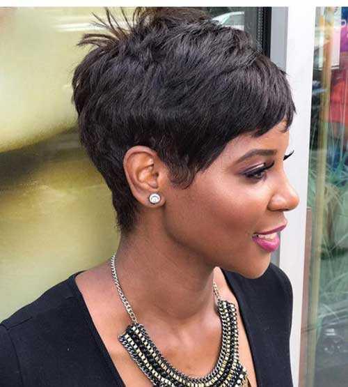 Pixie Haarschnitte für Schwarze Frauen-25